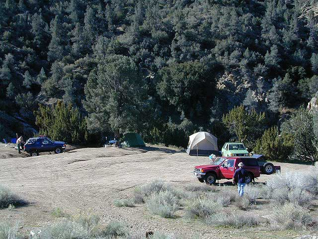 Camping Piru Creek